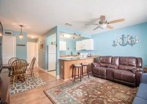 oak shores living room